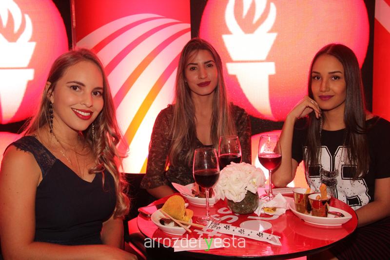 tocha olimpica lary di lua coca cola (6)