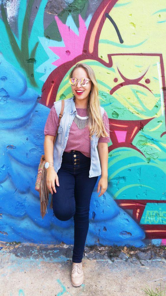 Look calça jeans e colete lary di lua (3)