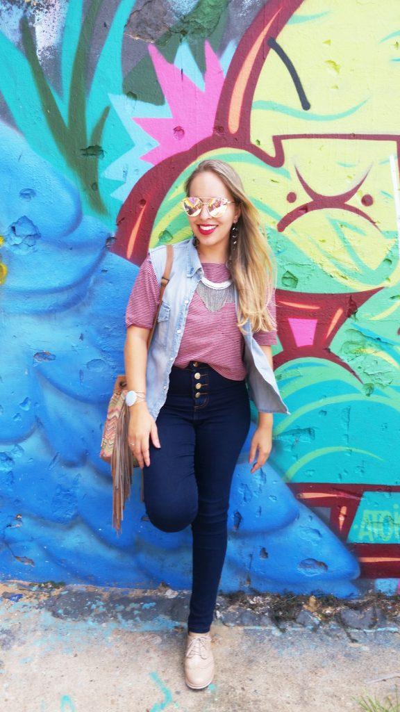 Look calça jeans e colete lary di lua (4)