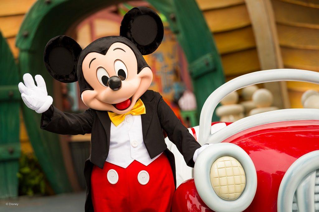 Mickey Mouse completa 90 anos lary di lua